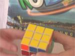 Hogyan rakjuk ki a Rubik kockát? 4. rész, alsó sarokkockák kirakása részlet