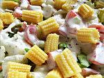 Tavaszi friss saláta készítése öntettel részlet