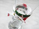 Egyszerű poharas trükk ünnepi forró italokhoz