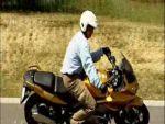 Motoros biztonsági tippek: Kanyarodás - 2. rész részlet