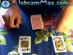 Egyszerű kártyatrükk: 2 király közt az elemelt lap